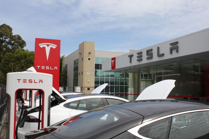 Week in Review: Tesla charged with false advertising, NY State to spend $701M on EV infrastructure, Cabify pivots to the delivery space