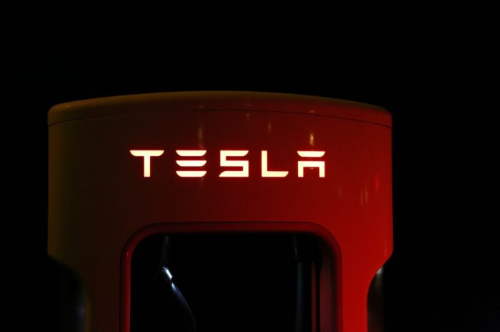 Week in Review: What's more likely? An electric Hummer or a Tesla battery that never dies?