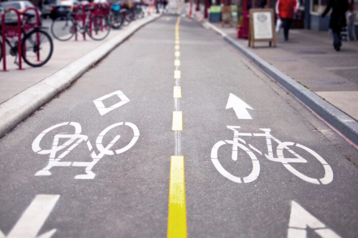 Week in Review: Tesla finishes the year strong, Apple wants a car & NYC goes big on bike lanes